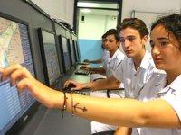 Geleceğin denizcileri, Çeşme Ulusoy Denizcilik Lisesi'nde yetişiyor
