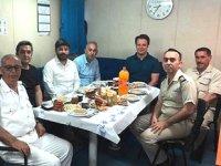Volkan Uslu, gemi mürettebatının iftar sofrasına misafir oldu