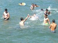 Burhaniye'de deniz sezonu açıldı