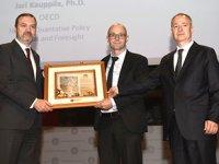 PRÜ'de 'Dünya Lojistik Sektöründeki Gelişmeler ve Türkiye'nin Yeri' paneli düzenlendi