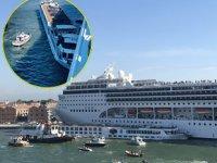 Venedik'te Opera isimli kruvaziyer gemisi, yolcu teknesiyle çatıştı: 5 yaralı