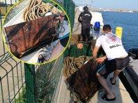 Marmara Denizi'nde trol ağları ve kapakları ele geçirildi