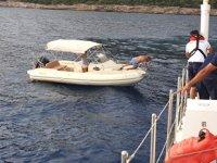 Bodrum'da yakıtı bitince sürüklenen teknedeki 4 kişi kurtarıldı