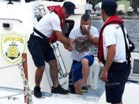 Denizde yaralanan vatandaşın yardımına Sahil Güvenlik yetişti