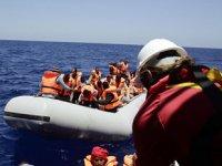Alboran Denizi'nde göçmenleri taşıyan bot battı: 22 ölü