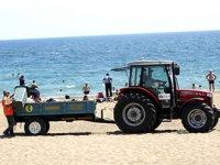 Lara Plajı'ndan her gün 60 ton çöp toplanıyor