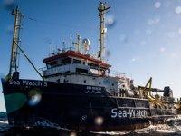 42 göçmeni taşıyan yardım gemisi Sea Watch, İtalya karasularına izinsiz girdi