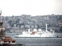 'Dupuy de Lome' isimli Fransız istihbarat gemisi, İstanbul Boğazı'ndan geçti