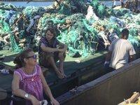 Çevreciler, Pasifik Okyanusu'ndan 40 tondan fazla çöp çıkardı