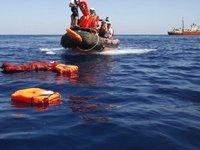 Tunus açıklarında tekne battı: 71 düzensiz göçmen kurtarıldı...
