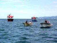Sürmene'de tekne balıkçıları, mazot ödülü için yarıştı