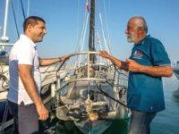Dünyayı tekne ile dolaşan Erkan Gürsoy, Kuşadası'na geldi