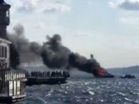 İstanbul Boğazı'nda bir yatta yangın çıktı! 12 kişi denize atlayarak kurtuldu…
