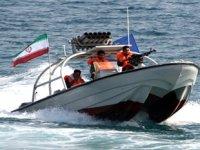 İran, Basra Körfezi'nde iki tekneye el koydu
