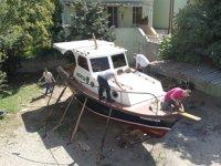 Denize 4 kilometre uzakta mahalle arasında tekne inşa ettiler