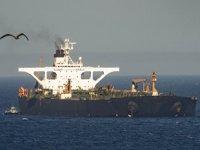 'Adrian Darya 1' isimli İran petrol tankeri, rotasını Mersin'e çevirdi