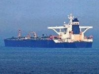 'Adrian Darya 1' isimli İran petrol tankeri, rotasını Süveyş Kanalı'na çevirdi