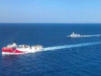 MTA Oruç Reis Gemisi'ne Doğu Akdeniz yolunda fırkateynlerle hücumbotlar refakat ediyor