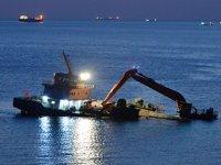 Demirli iken su almaya başlayan 'Kanuni D.S' isimli gemi, Ayana Koyu'na çekildi