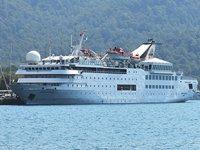 'Orient Queen' isimli yolcu gemisi Marmaris'e geldi