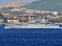 'Azov' isimli Rus savaş gemisi, Çanakkale Boğazı'ndan geçti