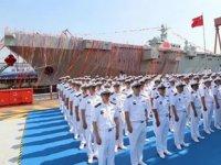 Çin'in ilk helikopter platformlu çıkarma gemisi suya indirildi