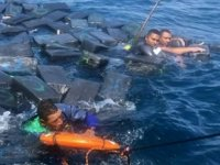 Kolombiya'da batan geminin mürettebatı uyuşturucu paketleriyle kurtuldu