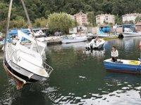 Kastamonu'da şiddetli rüzgar balıkçı teknelerini batırdı