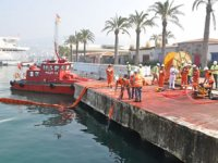 Kuşadası'nda deniz kirliliğine karşı acil müdahale tatbikatı gerçekleştirildi