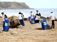 Kilyos sahilinde 300 kilo çöp toplandı