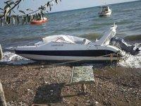 İzmir'de yurtdışına gitmek için sürat teknesi çaldılar