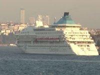 'Celestyal Crystal' yolcu gemisi, Sarayburnu Limanı'na yanaştı