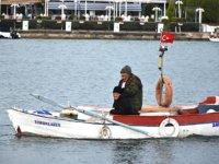 Samsun'da fırtına nedeniyle sürüklenen teknedeki balıkçılar kurtarıldı