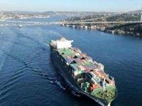 Dev konteyner gemileri İstanbul Boğazı'ndan peş peşe geçti