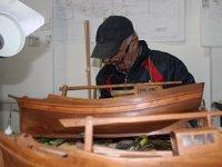 Metin Kurtoğlu, 1 metrelik ahşap kadırga gemi için 8 ay uğraştı