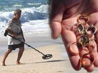 Define avcıları, turistlerin düşürdüğü altınları arıyor