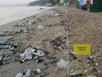 Sinop sahilleri deniz çöpleri ile doldu