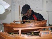Cemal İhtiyaroğlu, balıkçılık mesleğini maketlere aktardı
