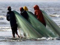 Karadeniz'de ağlara artık balık takılmıyor