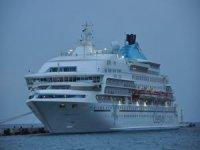 2020'nin ilk kruvaziyer gemisi Kuşadası Limanı'na yanaştı