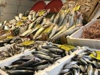 Balık satışlarına fırtına engeli