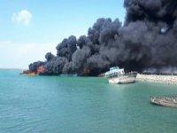 Basra Körfezi'nde 4 balıkçı teknesi yandı