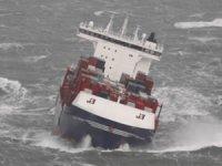 OOCL Rauma gemisinin konteynerleri ağır hava şartları nedeniyle denize düştü