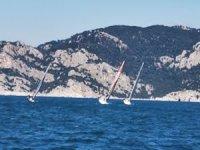 5 günlük tekneleri ile yarışa katıldılar