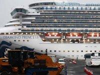 Japonya'daki karantina gemisinde yolcuların tahliyesi devam ediyor