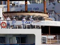 Karantina gemisinde kalan mürettebat da tahliye ediliyor
