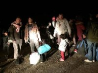 Göçmenler Çanakkale sahillerinde toplanıyor