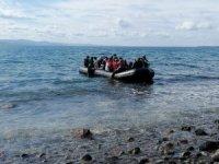 Mülteciler Ayvacık'tan botlarla Midilli Adası'na geçmeye başladı