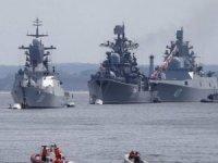 Rusya, fırkateynlerle mesaj verdi