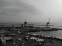 Haydarpaşa Limanı'na yanaşan gemideki 12 tır şoförü karantinaya alındı